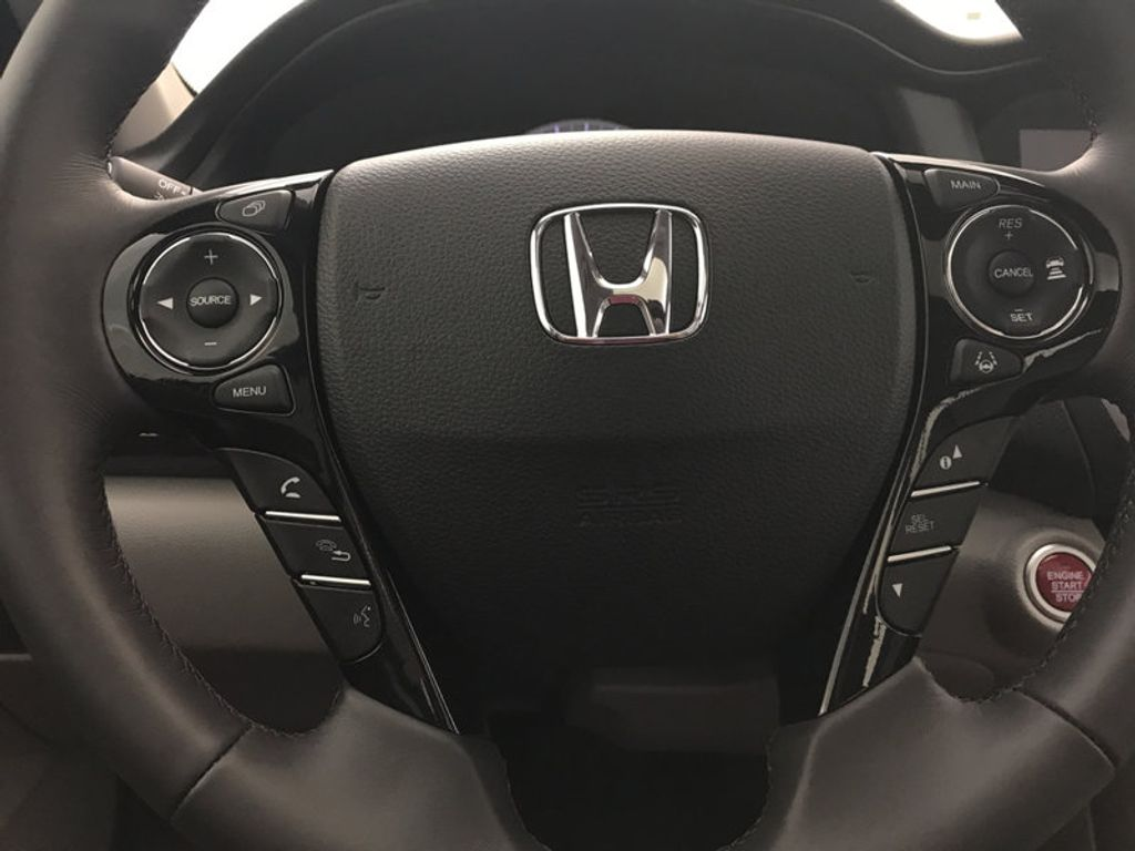 2017 Honda Accord Sedan EX-L V6 Automatic w/Navi & Honda Sensing - 16752902 - 31