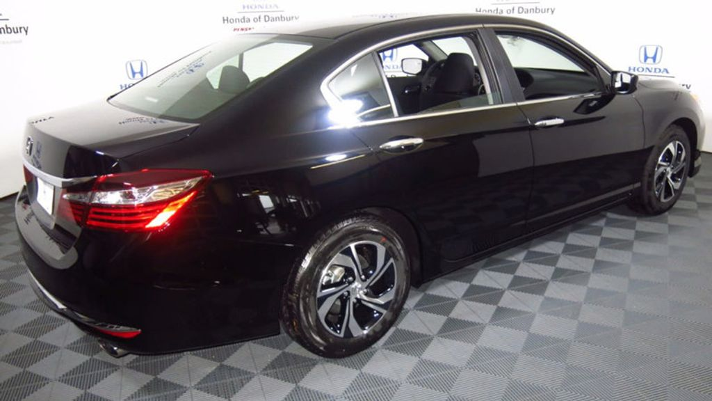 2017 Honda Accord Sedan LX CVT - 16823207 - 4