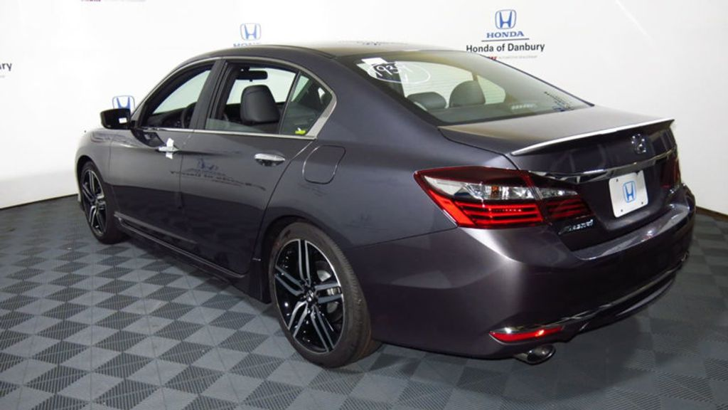 2017 Honda Accord Sedan Sport CVT - 16644469 - 9
