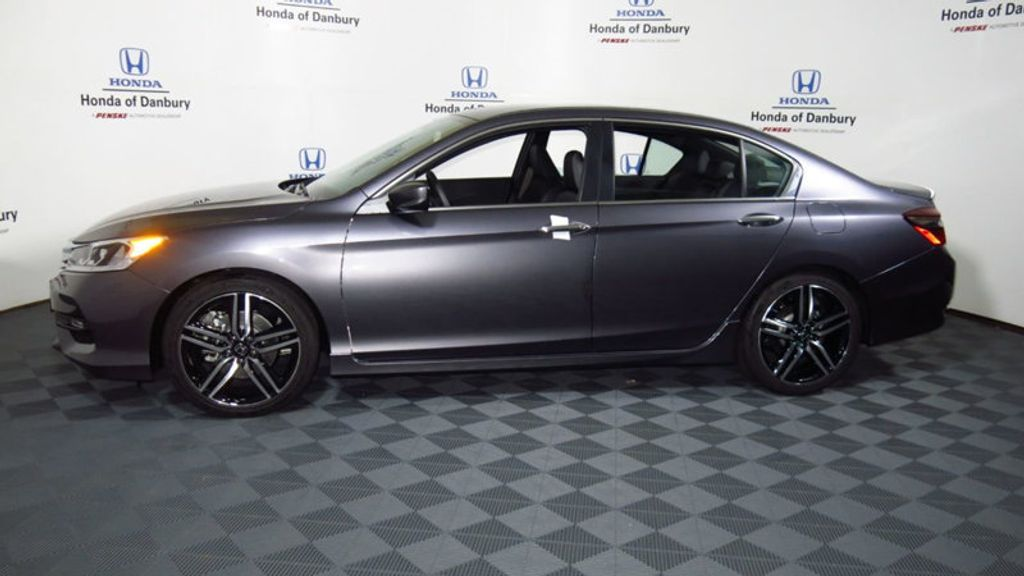 2017 Honda Accord Sedan Sport CVT - 16644469 - 10