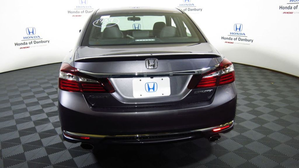 2017 Honda Accord Sedan Sport CVT - 16644469 - 5