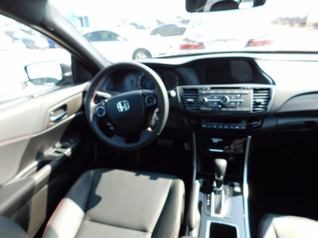 2017 Honda Accord Sedan Sport SE CVT - 16812718 - 10