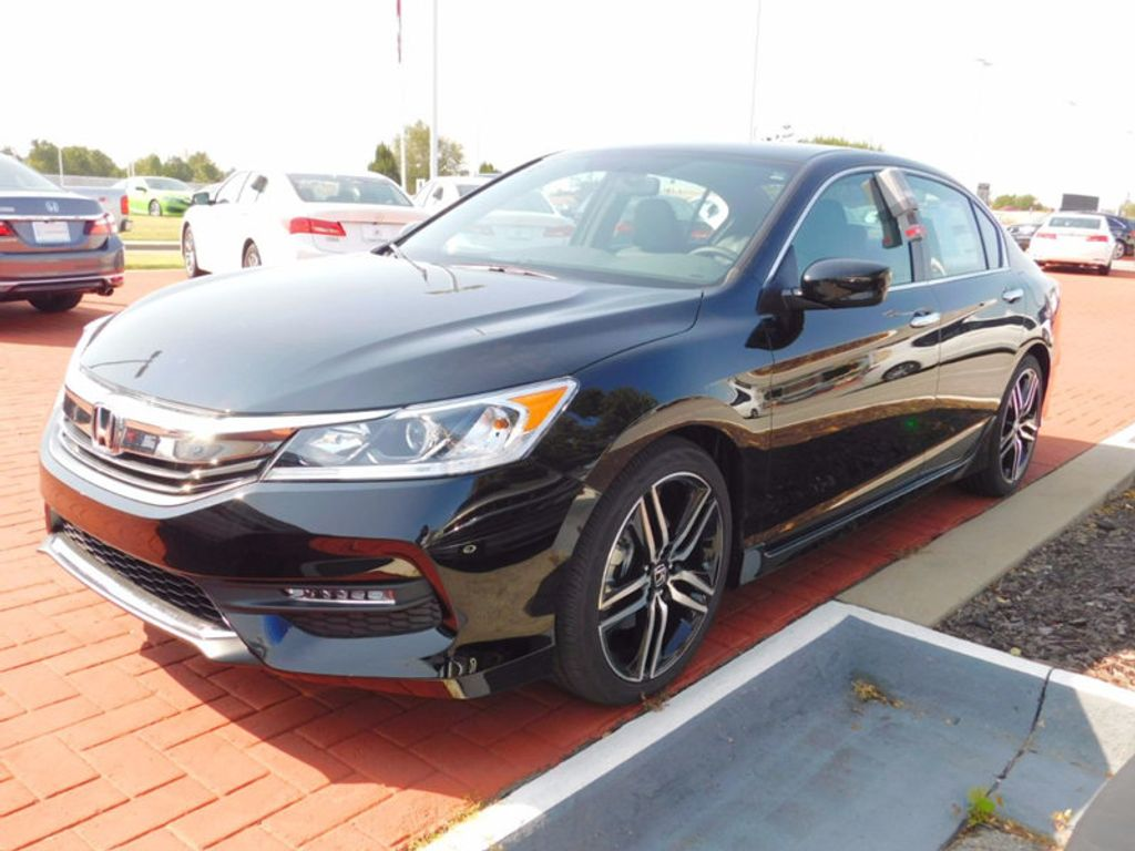 2017 Honda Accord Sedan Sport SE CVT - 16812718 - 1