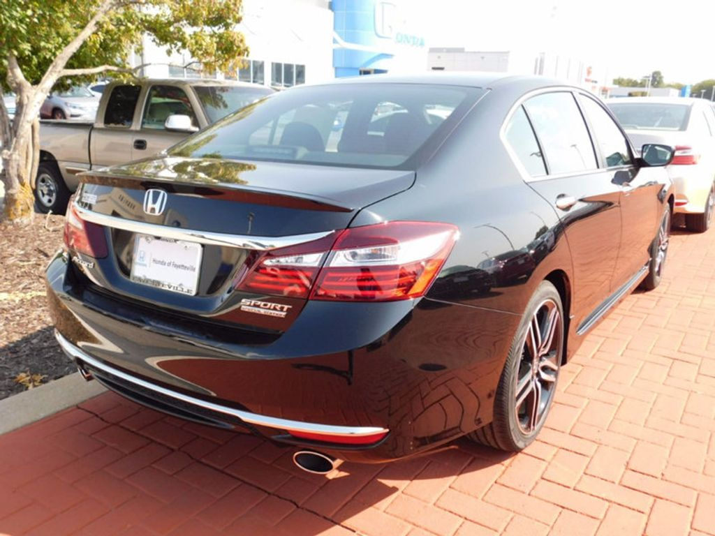 2017 Honda Accord Sedan Sport SE CVT - 16812718 - 2