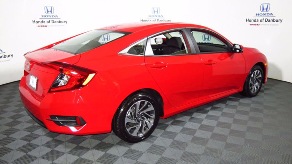 2017 Honda Civic Hatchback EX CVT - 16618897 - 6