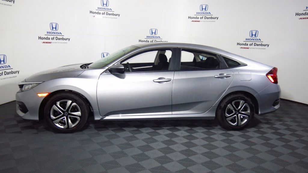 2017 Honda Civic Sedan LX CVT - 16406799 - 11