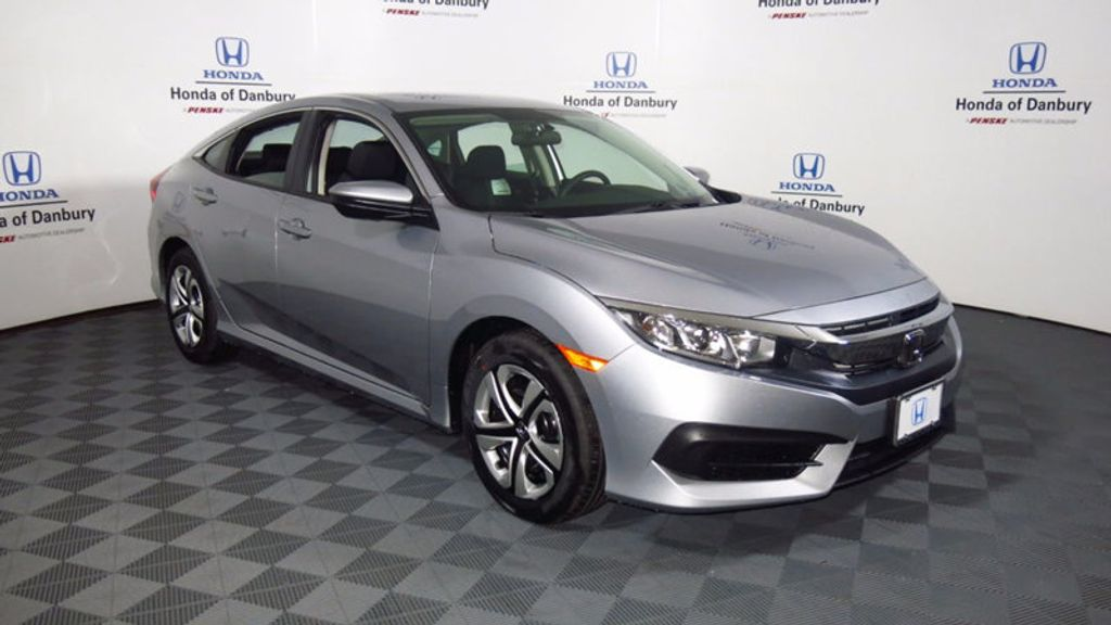 2017 Honda Civic Sedan LX CVT - 16406799 - 4
