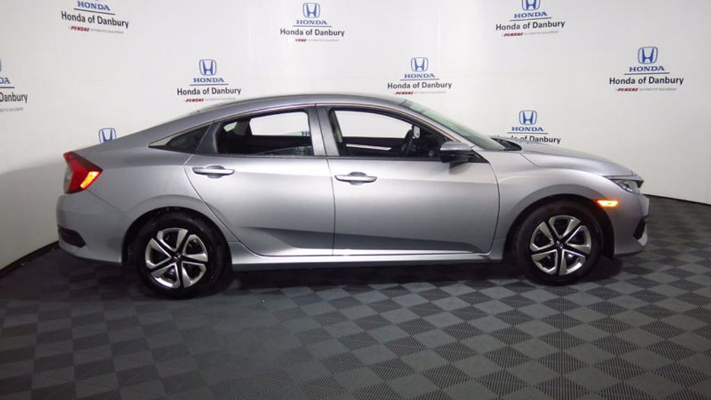 2017 Honda Civic Sedan LX CVT - 16406799 - 5