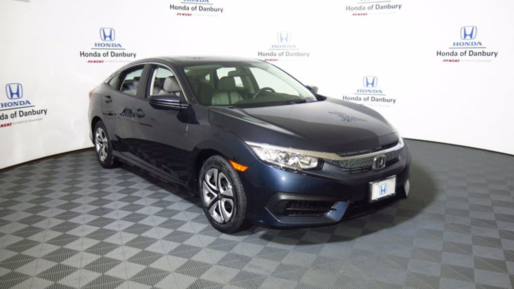 2017 Honda Civic Sedan LX CVT - 16583454 - 5
