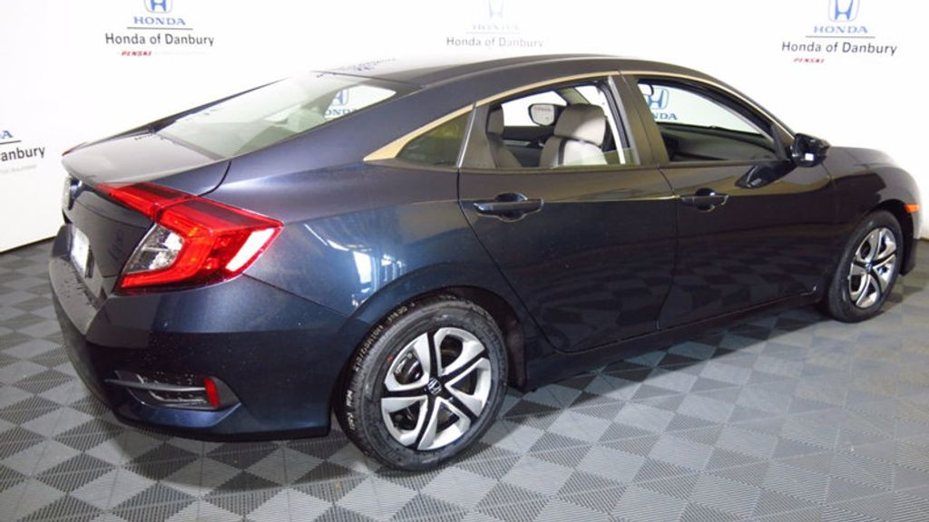 2017 Honda Civic Sedan LX CVT - 16583454 - 7