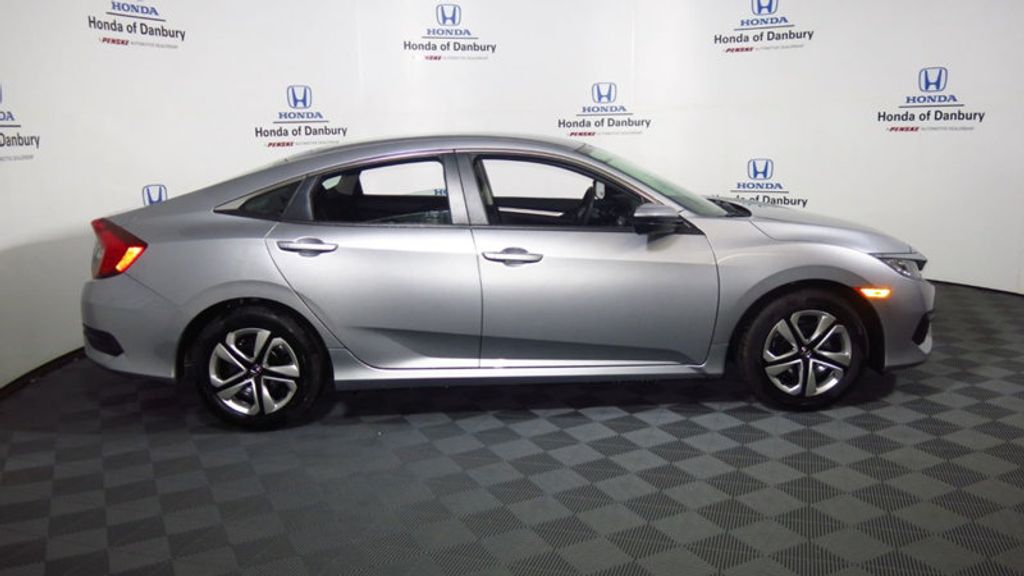 2017 Honda Civic Sedan LX CVT - 16625413 - 5