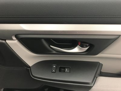 2017 Honda CR-V LX 2WD SUV - Click to see full-size photo viewer