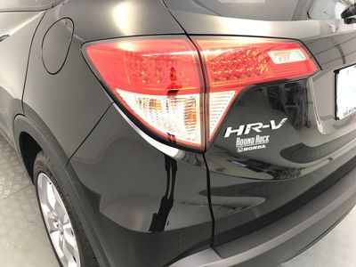 2017 Honda HR-V EX-L Navi 2WD CVT SUV - Click to see full-size photo viewer