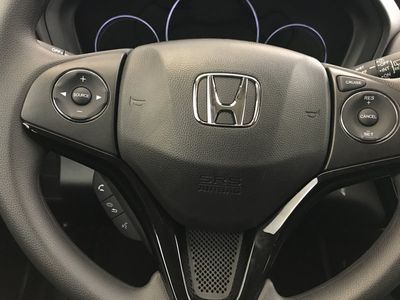 2017 Honda HR-V LX 2WD CVT SUV - Click to see full-size photo viewer