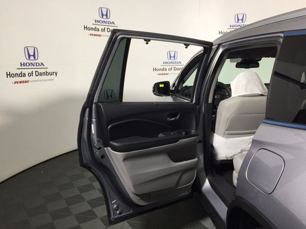 2017 New Honda Pilot Touring Awd At Penske Tristate Serving Fairfield Ct Iid 17122937