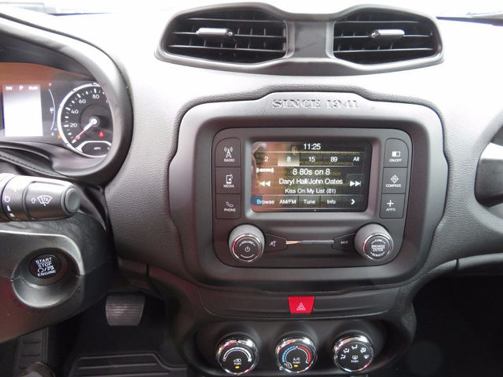 2017 Jeep Renegade Altitude FWD - 16785514 - 11