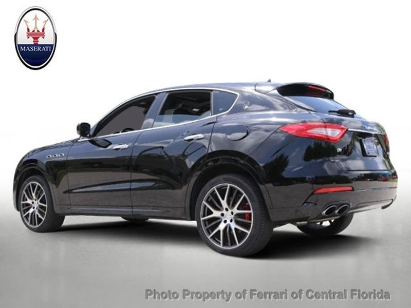 2017 Maserati Levante 3.0L - Click to see full-size photo viewer