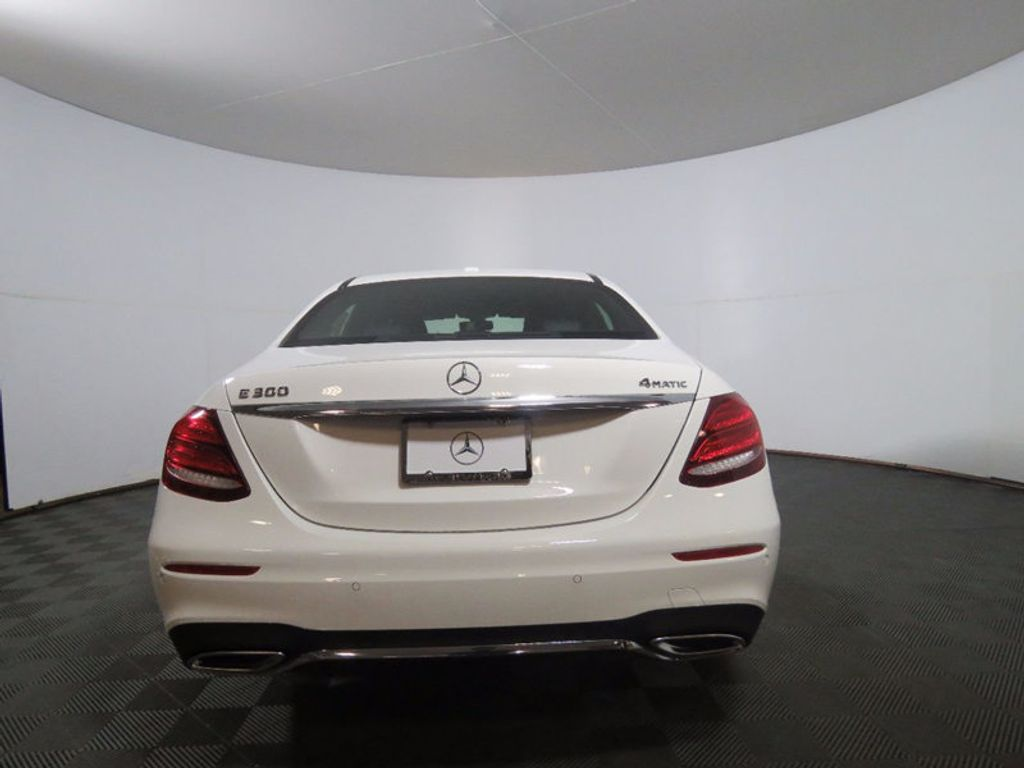 2017 Mercedes-Benz E-Class E 300 Sport 4MATIC Sedan - 16552747 - 5