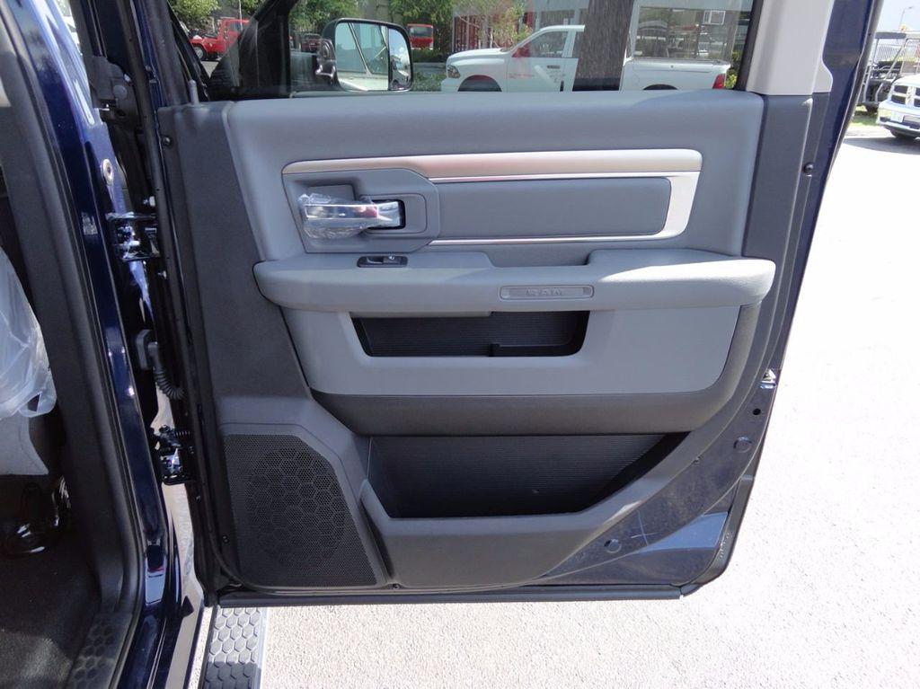 2017 Ram 5500 SLT..4x4..CREW CAB..JERRDAN MPL-NG AUTO LOADER WRECKER - 16460772 - 37