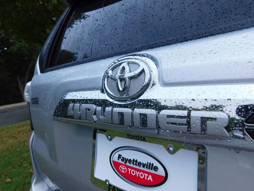 2017 Toyota 4Runner Limited 4WD - 16688635 - 3