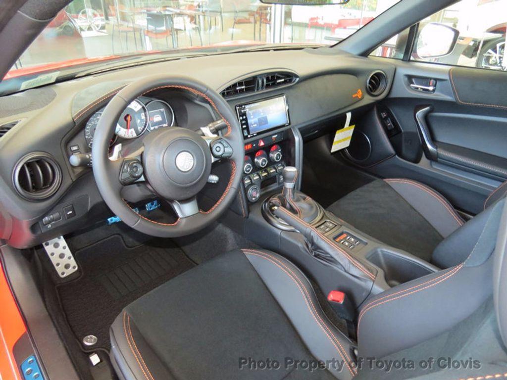 2017 Toyota 86 2DR CPE SE AUTO - 16488655 - 4