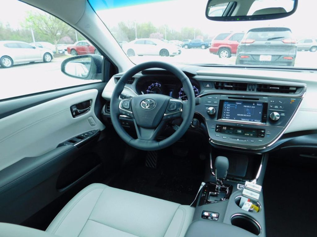 2017 Toyota Avalon Limited - 16214279 - 10