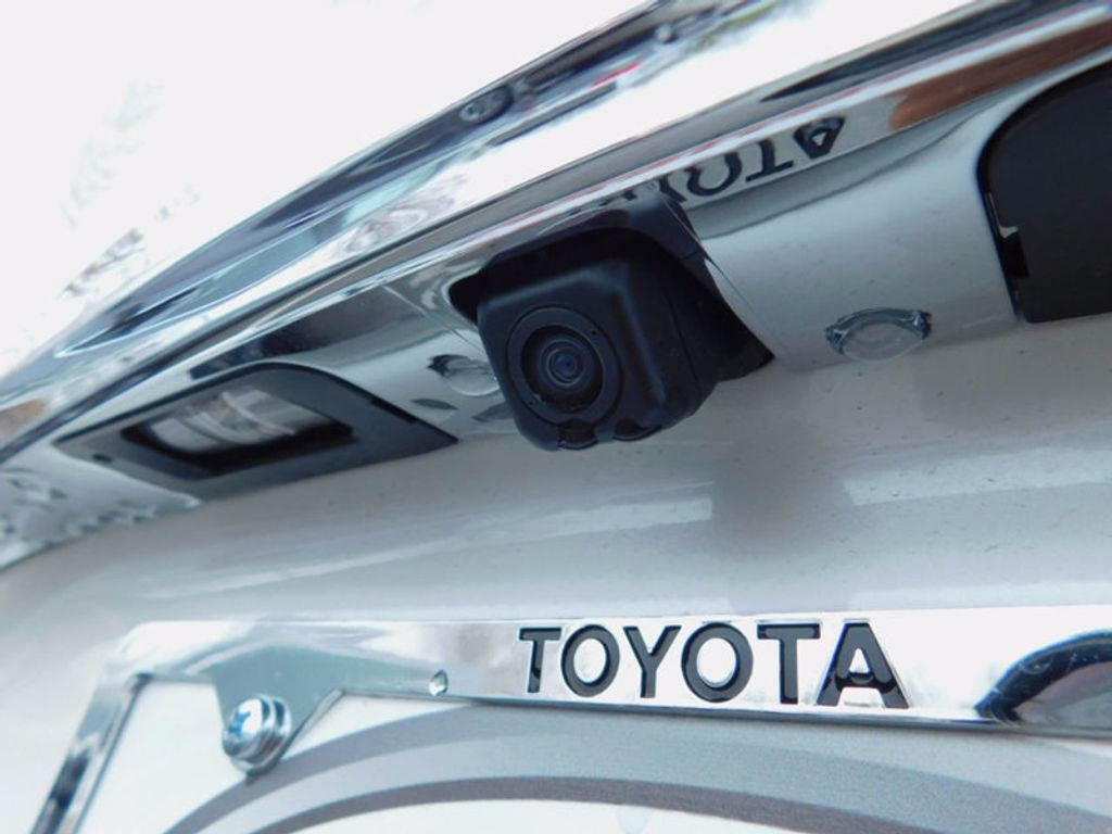 2017 Toyota Avalon Limited - 16214279 - 6