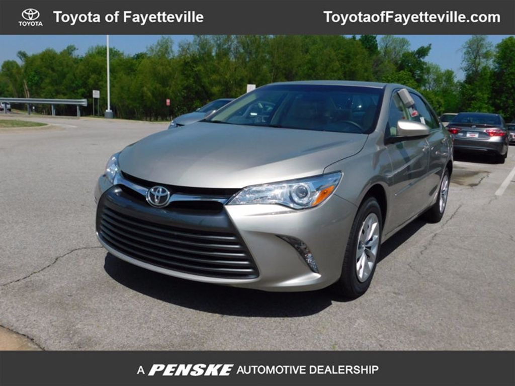 2017 Toyota Camry LE Automatic - 16269997 - 0
