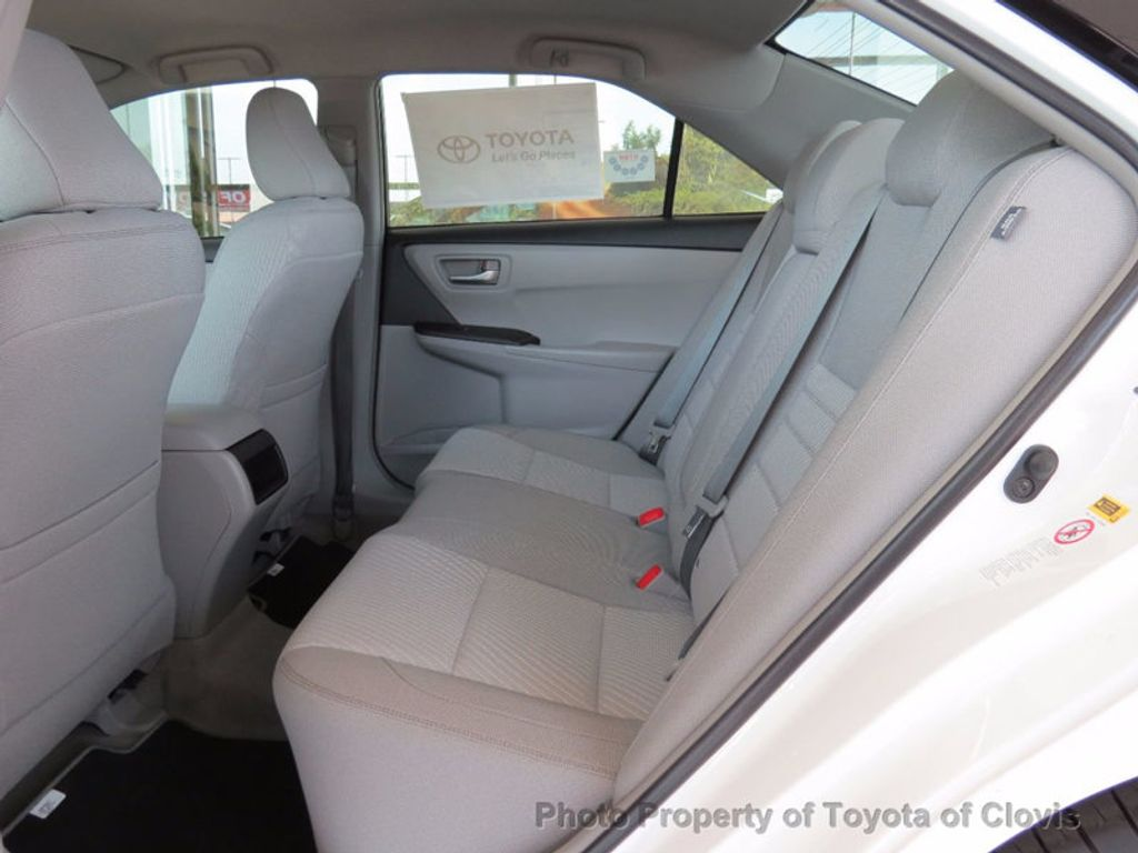 2017 Toyota Camry LE Automatic - 16483862 - 3