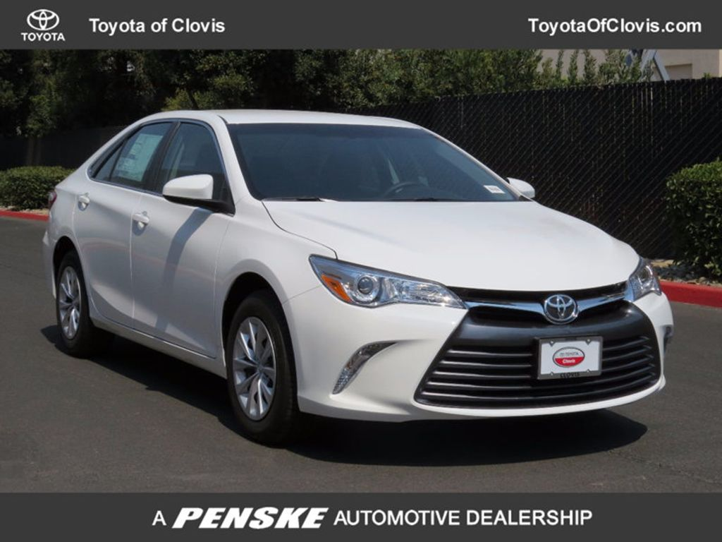 2017 Toyota Camry LE Automatic - 16483870 - 0