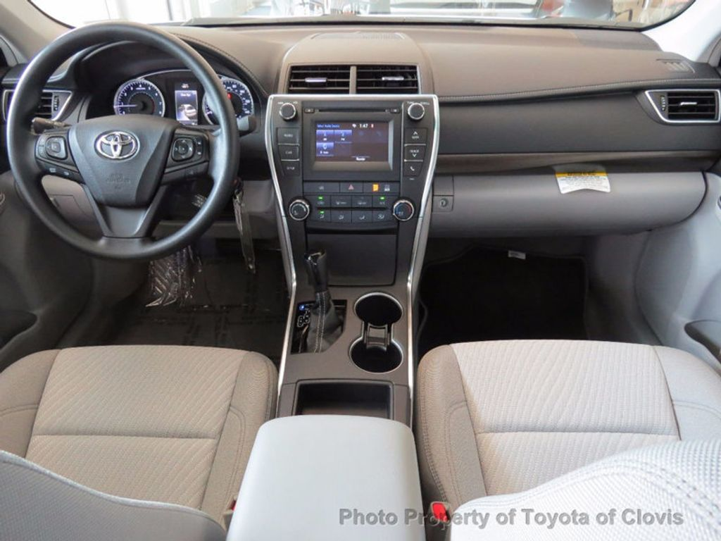 2017 Toyota Camry LE Automatic - 16483875 - 4