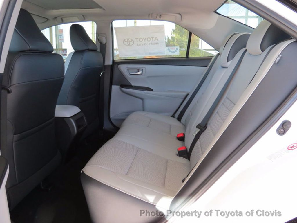 2017 Toyota Camry SE Automatic - 15761841 - 3