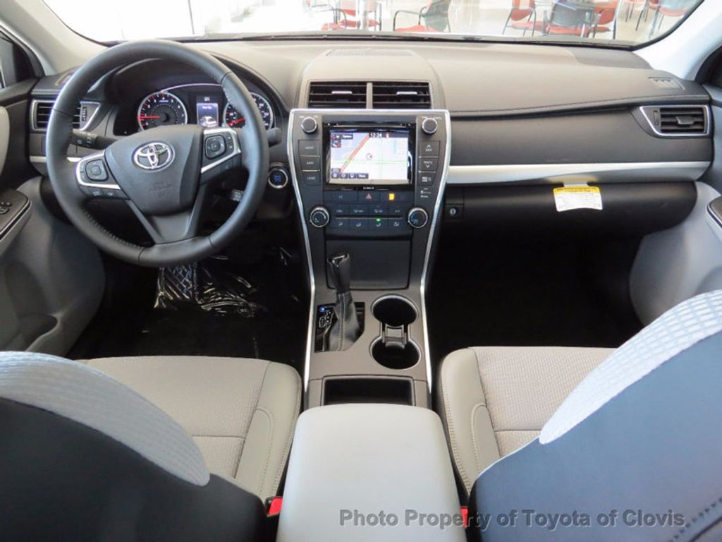 2017 Toyota Camry SE Automatic - 15761841 - 4