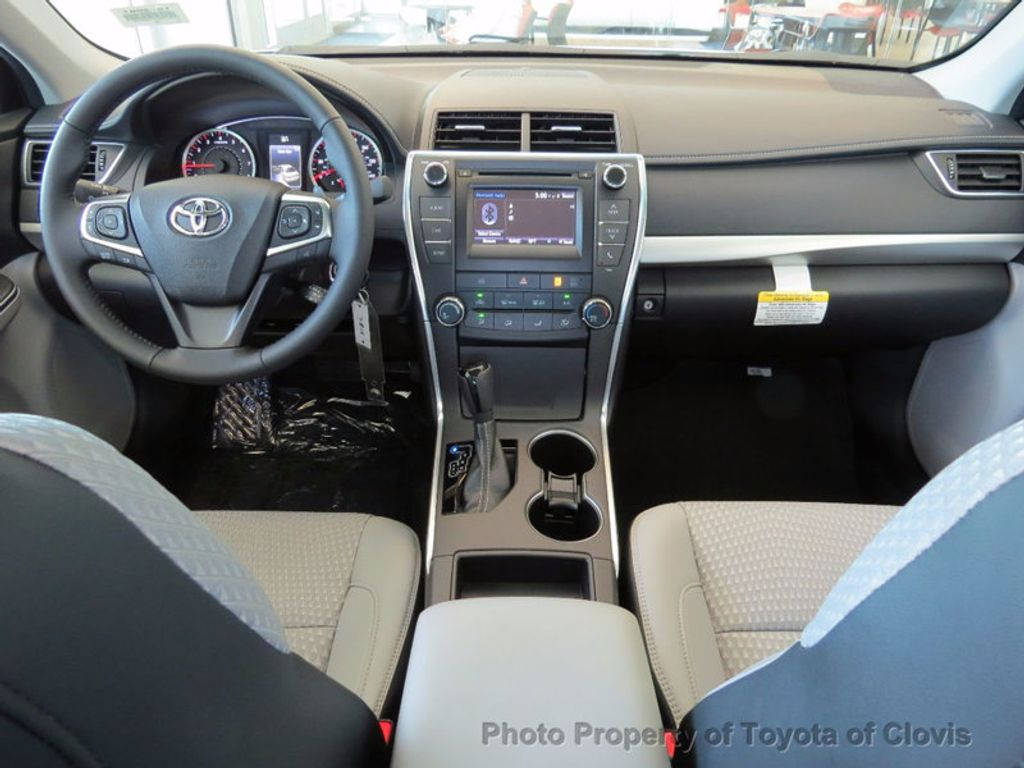 2017 Toyota Camry SE Automatic - 16488683 - 2