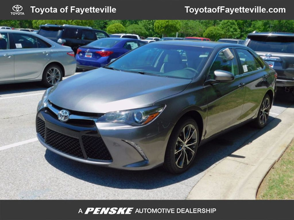 2017 Toyota Camry XSE Automatic - 16419374 - 0