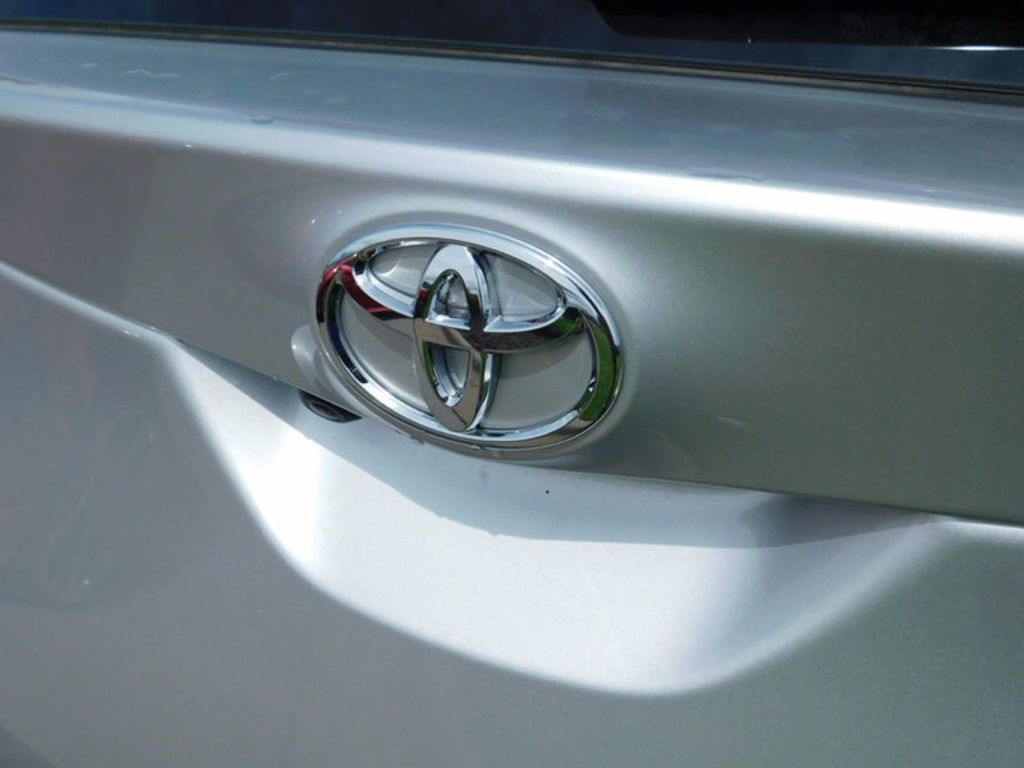 2017 Toyota Corolla iM CVT Automatic - 16473720 - 3