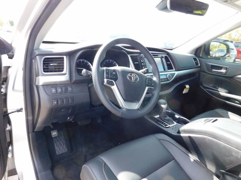2017 New Toyota Highlander XLE V6 AWD at Acura of Fayetteville Serving Fayetteville,Rodgers ...
