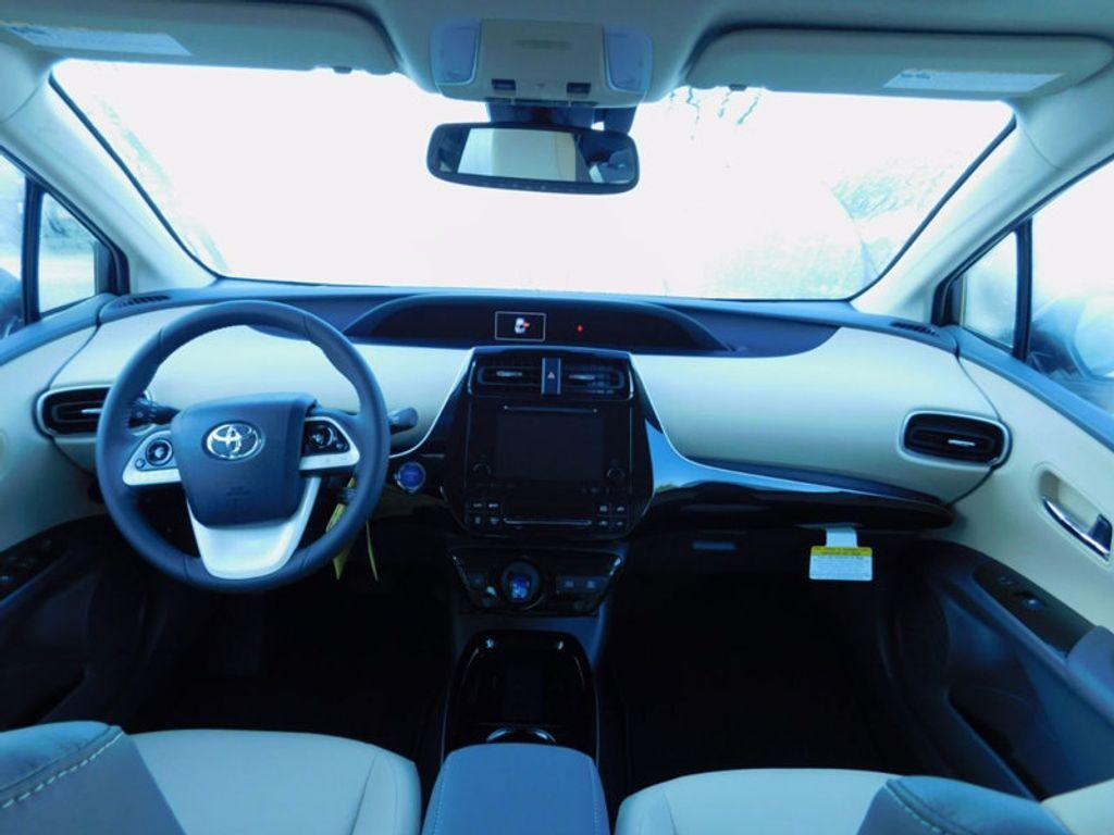 2017 Toyota Prius Four - 16540644 - 12