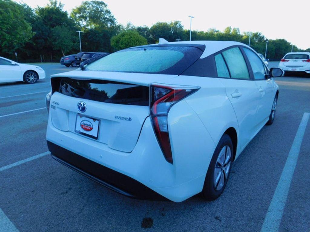 2017 Toyota Prius Four - 16540644 - 2