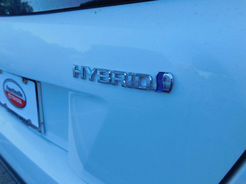 2017 Toyota Prius Four - 16540644 - 5