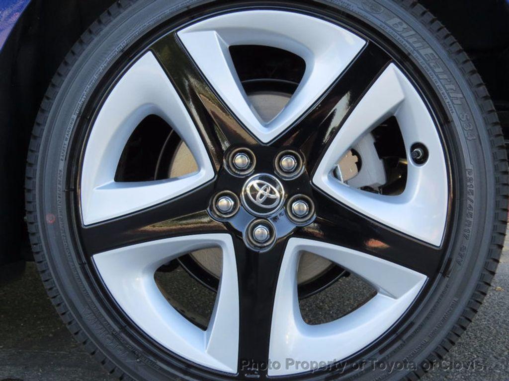 2017 Toyota Prius Four Touring - 16713088 - 22