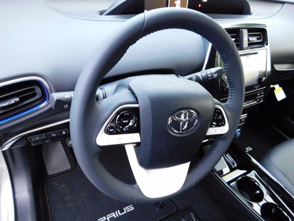 2017 Toyota Prius Three Touring - 16671964 - 14