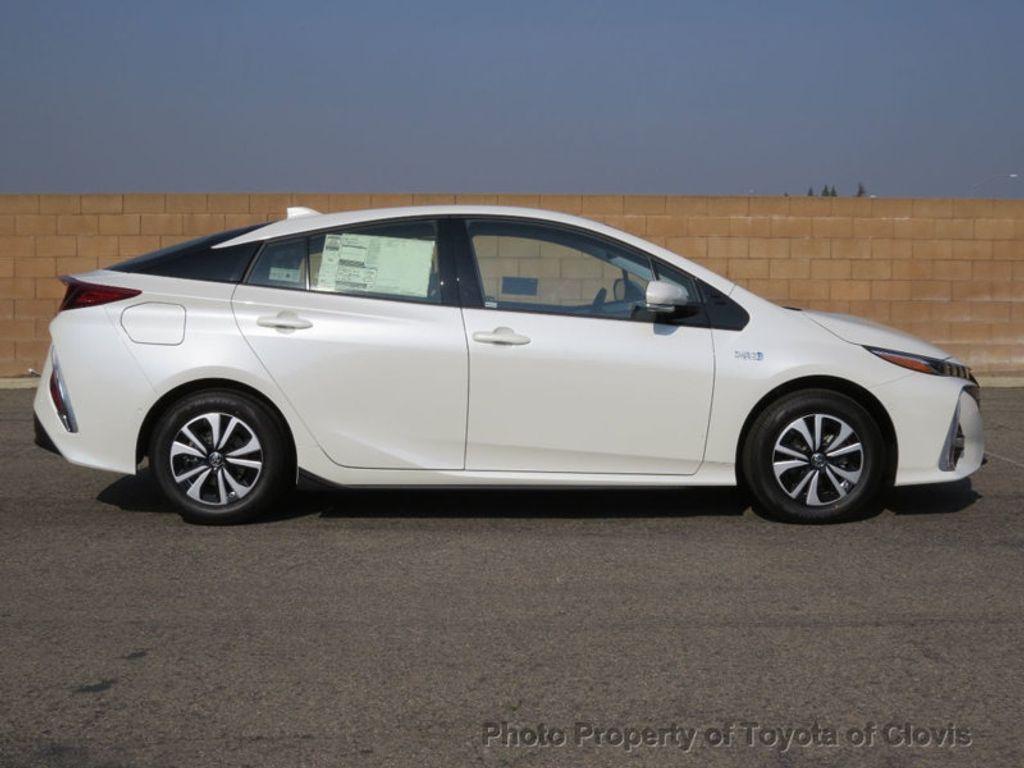 2017 Toyota Prius Prime Advanced - 17105461 - 1
