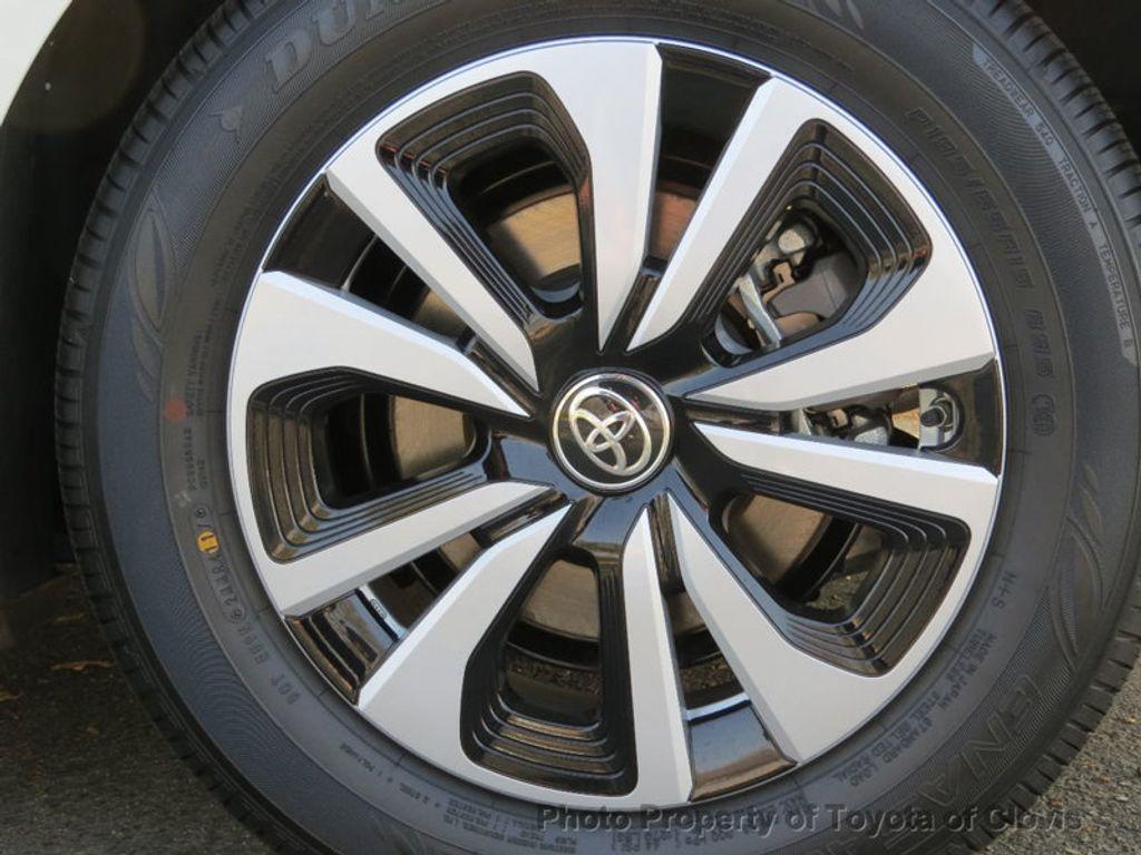 2017 Toyota Prius Prime Advanced - 17105461 - 23