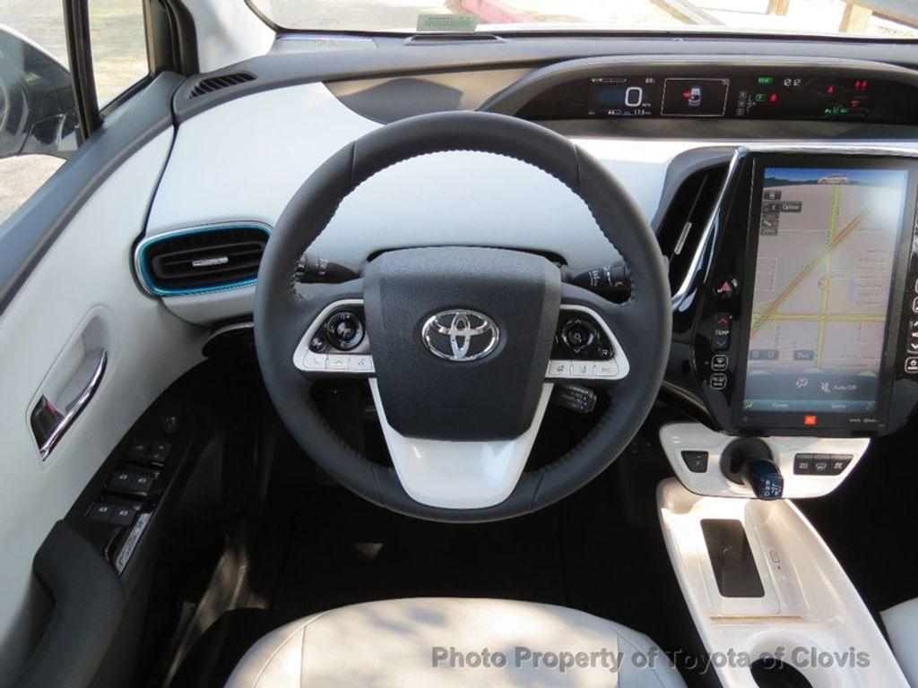 2017 Toyota Prius Prime Advanced - 17105461 - 6