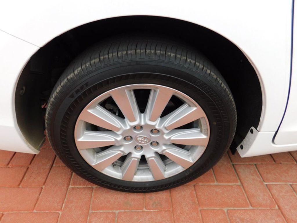 2017 Toyota Sienna LE AWD 7-Passenger - 17185836 - 7