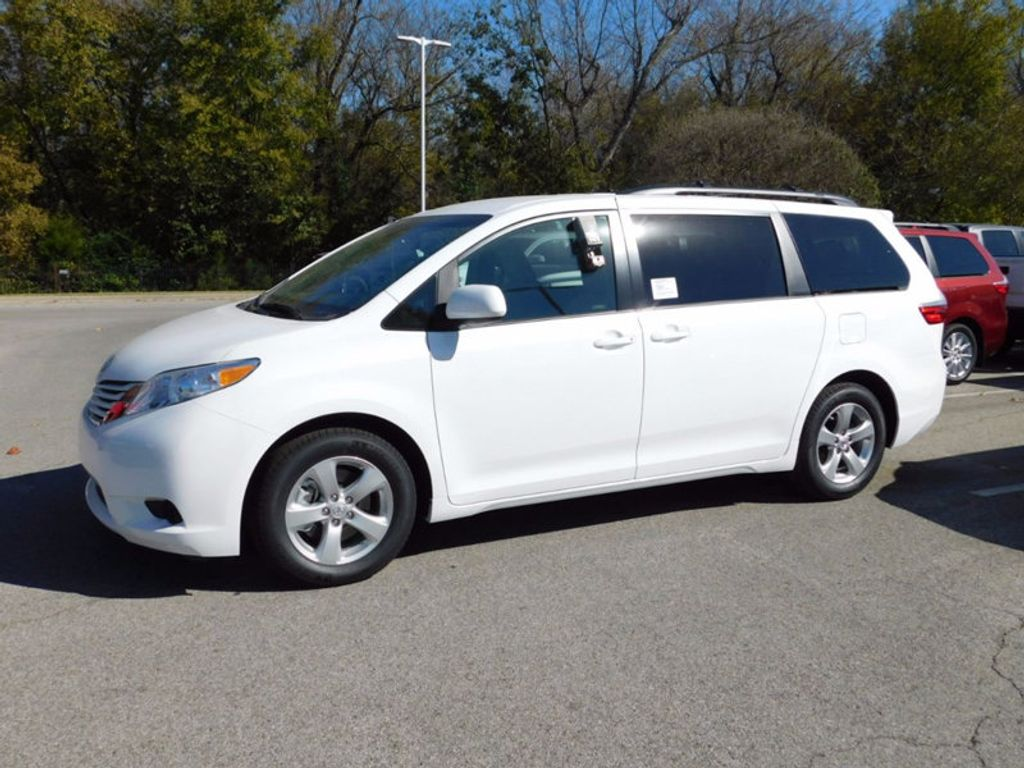 2017 Toyota Sienna LE FWD 8-Passenger - 16969474 - 1
