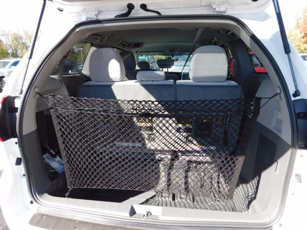 2017 Toyota Sienna LE FWD 8-Passenger - 16969474 - 7