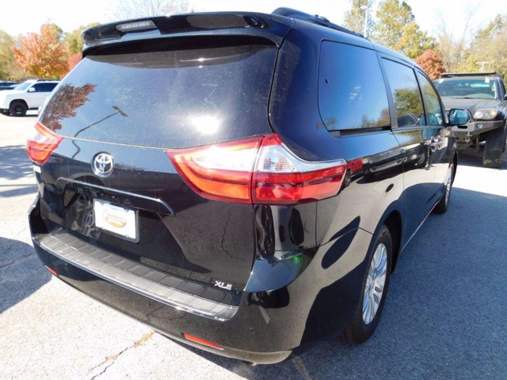 2017 Toyota Sienna XLE FWD 8-Passenger - 16983420 - 2