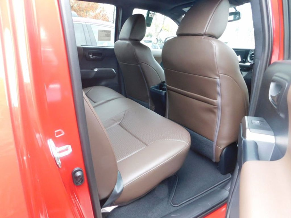 2017 Toyota Tacoma Limited Double Cab 5' Bed V6 4x4 Automatic - 17007990 - 10